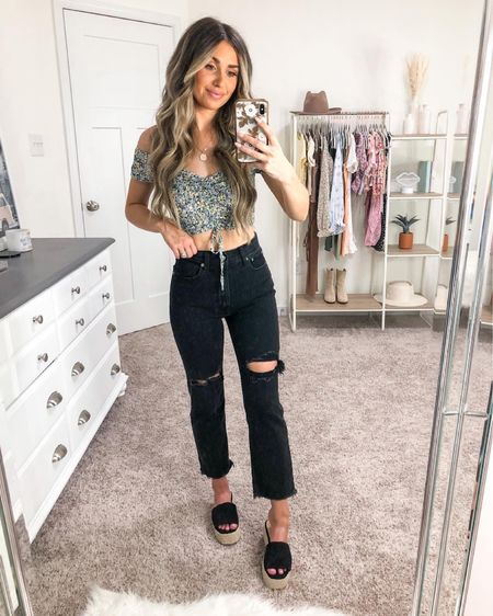 Summer date night inspo 🥰 top is forever 31, jeans are Abercrombie and shoes are lulus 🤍 http://liketk.it/3fMWD #liketkit @liketoknow.it #LTKunder50 #LTKstyletip #LTKshoecrush