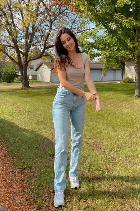 Abercrombie straight leg jeans fall neutral fashion  #LTKSeasonal #LTKfit #LTKshoecrush