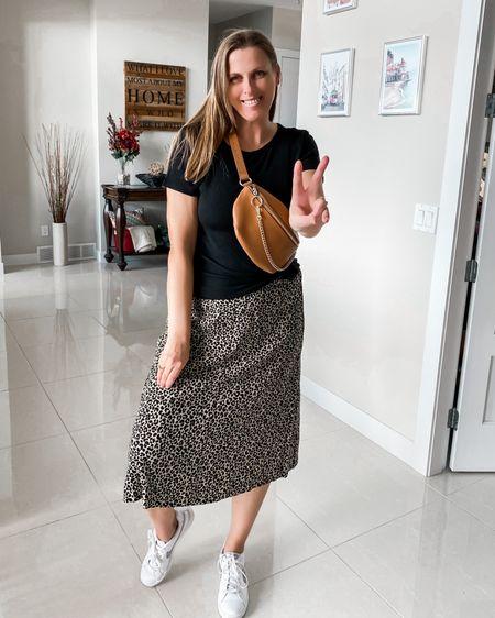 Summer outfit idea  http://liketk.it/3hMCQ @liketoknow.it #liketkit #LTKunder50 #LTKstyletip #LTKtravel #summeroutfit #maxiskirt