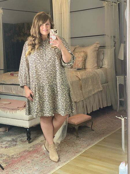The cutest floral dress by Free Assembly! Perfect for fall!