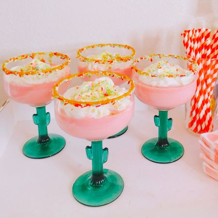 Y'all KNOW I wasn't going to just do a regular margarita for my birthday (even though margaritas are my all time favorite drink😂)!! Introducing, SHELBY'S TRES LECHES BIRTHDAY CAKE MARGARITA!! 🍹🎂🐄💃🏻💕 . Ingredients: 1 oz tequila 🍹 1 oz Kahlúa ☕️  3 oz strawberry milk 🍓  Splash of cream or coconut milk 🥛🥥  Whipped Cream 🐮  Sprinkles ✨  Honey/Agave/syrup (for sprinkle rim) 🍯  . In a cocktail shaker with ice combine, tequila, kahlua, strawberry milk, and cream. Shake well for 20 seconds. . To add sprinkles to the rim, dip in honey/agave/syrup. Coat in whatever sprinkles you like. . Pour margarita🍹 and top with whipped cream and MORE sprinkles!!✨✨✨ . What do y'all think?! Would would serve tres leches margaritas at your fiesta?! 💃🏻🍓🍹🥥 . . #houston #houstonblogger #abmlifeiscolorful #pursuepretty #partyblogger #partyinspo #partyblogger  #partystylist #partydesigner #partydecor #cincodemayo #ihavethisthingwithpink #vientecinco #fiesta #cincodemayoparty #tacosandtequila #cincodemayo2019 #tacotuesday #amazoninfluencer #margarita #tresleches #tequila #cocktail http://liketk.it/2BwVy #liketkit @liketoknow.it
