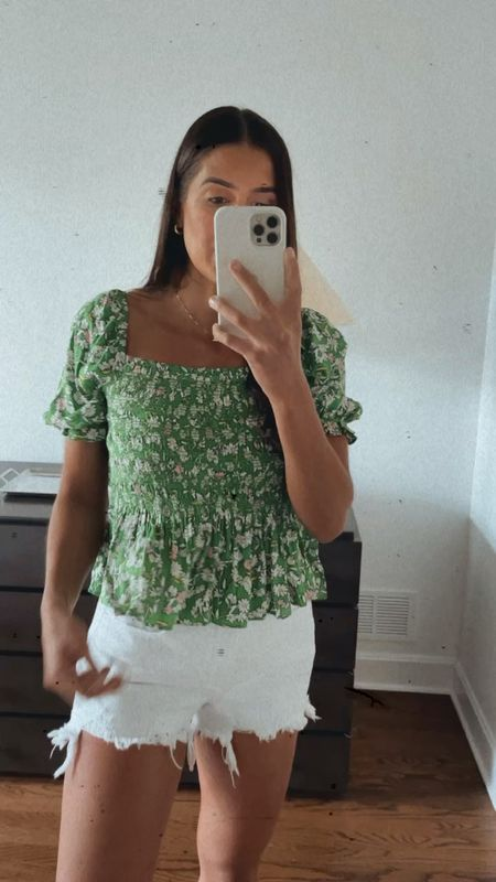 Summer outfit from Walmart fashion, floral top under $30 (medium)   #LTKsalealert #LTKunder50