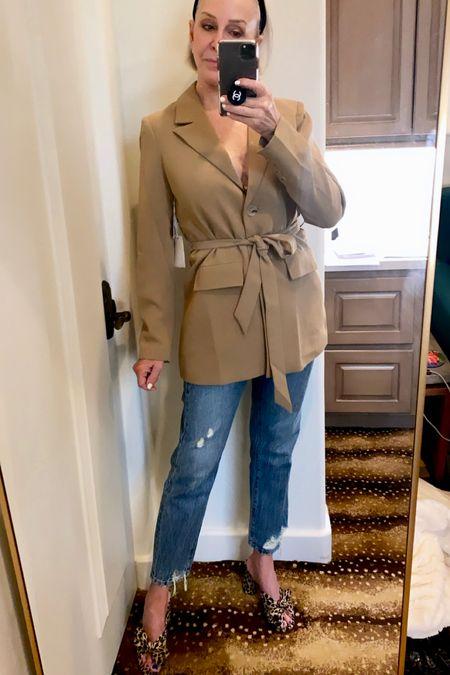 @nordstrom @goodamerican @blanknyc #blanknycdenim #nsale #nordstromanniverarysale #goodamerican #blazer #jeans #rippedjeans #LTKunder100 #LTKstyletip #LTKsalealert http://liketk.it/3jZGD #liketkit @liketoknow.it