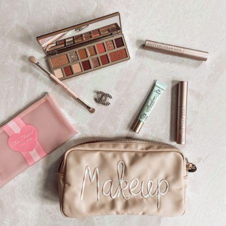 Snag this too faced mascara trio and bag for $39.00 (retail value $87.99) 😊   #HSNinfluencer #loveHSN http://liketk.it/3jMwz #liketkit @liketoknow.it #LTKbeauty Stoney clover lane Teddy bare palette