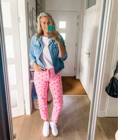 Outfits of the week-Wednesday   These jeans 😍💗❤️ I am wearing a medium. They have no stretch but they do stretch out a bit when you wear them so don't get them to big.   T-shirt and jacket are medium and sneakers fit tts.    #LTKunder50 #LTKshoecrush #LTKeurope