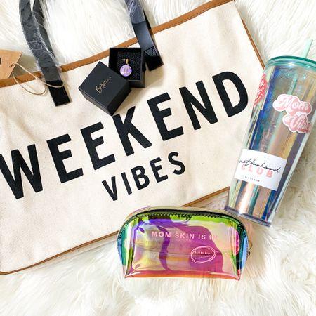 Weekend Vibes Travel Bag http://liketk.it/3fJsF #LTKtravel #LTKunder100  #liketkit @liketoknow.it
