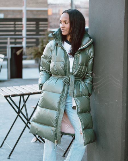 Sharing my favourite coat today, I get asked so many questions on where I got it from so I've finally found the same model but in different colours. This puffer coat I picked up when I first had keo and it's been a favourite since. I've loved how it molds to my body and is cozy instead of stiff, like most coats also very warm. Head to my bio for the like to know it app, you'll find it there. http://liketk.it/31hR7 #liketkit @liketoknow.it