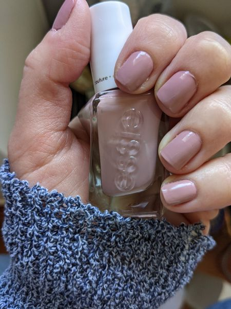 Loving this soft rose pink for every day wear. It's a great neutral 🤍 Sweater weather!  #diymanicure #gelmanicure #nailpolish   #LTKbeauty #LTKunder50 #LTKFall