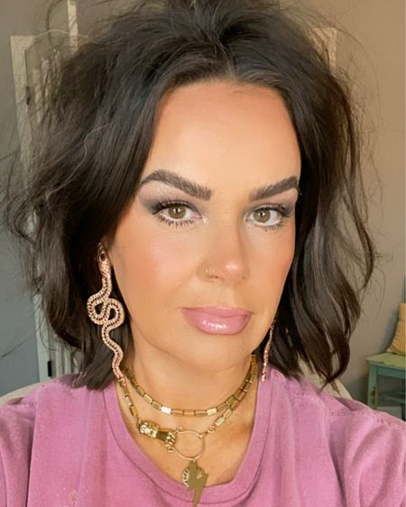 Who wants to turn heads? You do. You don't need to be overdone to achieve it either. From hair to makeup, I've got you covered!  Here are some of the products I used today to get you started on this sophisticated yet sexy look!   www.bombshellbeads.com - Use my code, KIM, for 20% off!   http://liketk.it/3iE3u #liketkit @liketoknow.it #LTKstyletip #LTKunder100 #LTKworkwear