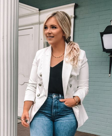 BLAZERS are like an accessory in my book 📚 & a girl can never have too many! 🙌🏼💕 {ad.} This @express blazer is an elevated basic that also makes such a statement on its own! 😍 Wear it dressed down with a hoodie & denim shorts or spice it up with a LBD & heels and let the blazer speak for itself. This is my personal favorite way to style a blazer 👆🏼- a classy/casual with jeans thrown into the mix! 👖✨ . . Shop this look by following me on the LIKEtoKNOW.it app & to find out more information on Express! #ExpressPartner #Sponsored #liketkit @shop.ltk #LTKworkwear #LTKstyletip #9to5 #businesscasual #petitefashion #petitestyle
