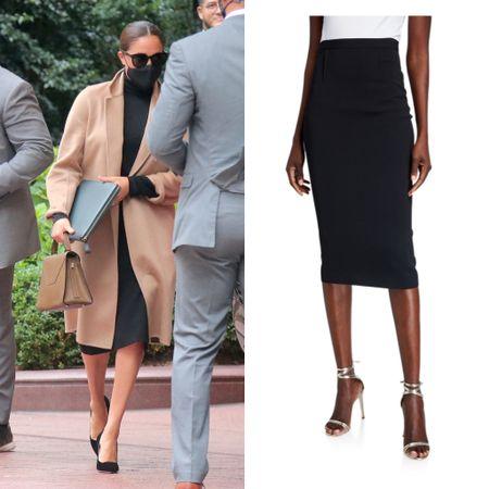 Meghan wearing Roland Mouret Arreton pencil skirt #lbd #work #professional   #LTKstyletip