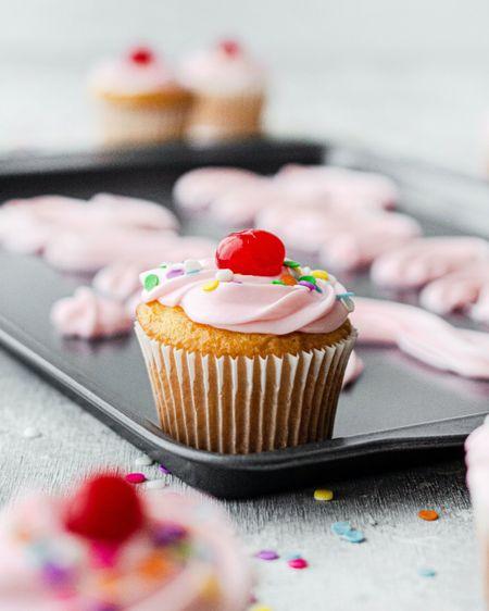 We love beautiful colorful cupcakes!    http://liketk.it/37Kaq #liketkit @liketoknow.it #StayHomeWithLTK #LTKhome
