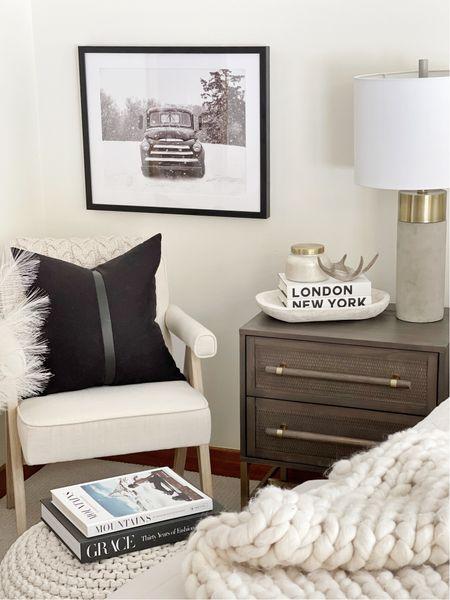 H O M E \ Bedroom corner😍  #bedroom #bedroomdecor #homedecor  #LTKhome #LTKunder50 #LTKunder100