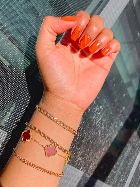 Trying something new with my natural nails 💅🏻. Bling your wrist with 𝐕𝐚𝐧 𝐂𝐥𝐞𝐞𝐟 𝐚𝐧𝐝 𝐀𝐫𝐩𝐞𝐥𝐬 𝐁𝐫𝐚𝐜𝐞𝐥𝐞𝐭. #LTKjewelry #LTKaccessories #VanCleefandArpels
