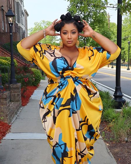 In STRAIGHT & PLUS sizes! This look is perfect! #fashionforALL http://liketk.it/2PFYB #liketkit @liketoknow.it #LTKcurves #LTKspring #LTKunder100 currently ON SALE! Get it before it sells out! I know it will 😍😍😍😍 #curve #plus #plussize #gabrielleunion #ftf