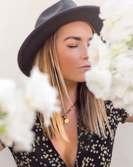 Flower POWER 🌼 Shop your screenshot of this pic with the LIKEtoKNOW.it app  for details on my outfit and skincare recommendations! http://liketk.it/2EkQk #liketkit #LTKbeauty #LTKunder50 @liketoknow.it