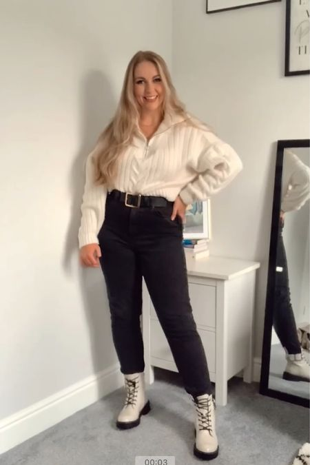 Autumnal wardrobe staples; black mom jeans   #LTKSeasonal #LTKunder100 #LTKeurope
