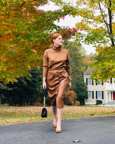 Brown is the new black! Call it cognac or rust, loving all dark browns this fall. Full deets on the blog with a special jewelry feature from @thefrenchneedle, a French artisanal needlework online boutique. Hope your week is off to a great start! 💋 Screenshot this pic to get shoppable product details with the LIKEtoKNOW.it shopping app @liketoknow.it #liketkit http://liketk.it/2GMSv