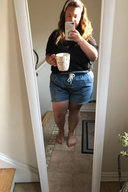 Today's outfit of the day - $25 total from Target. And the most comfy shorts. TTS    http://liketk.it/3jRfO #liketkit @liketoknow.it   #LTKcurves #LTKunder100 #LTKunder50