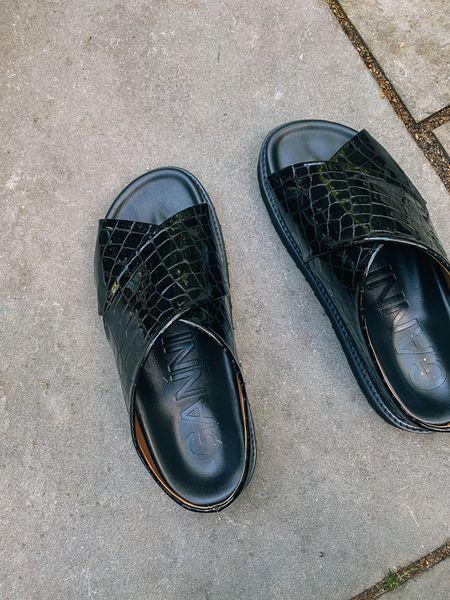 The comfiest summer slide sandals #sandals #slides   #LTKshoecrush #LTKSeasonal