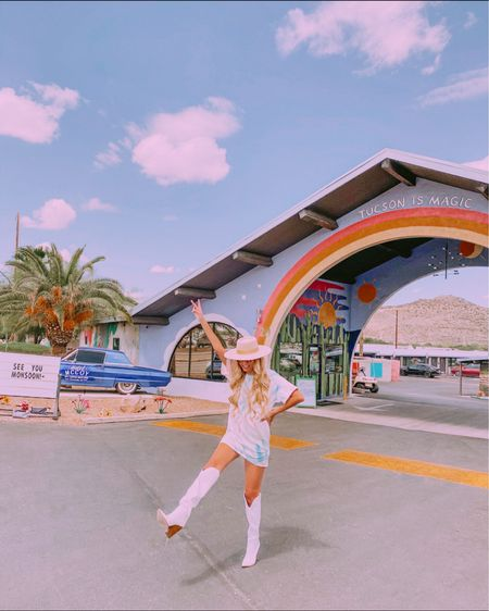 🌈 Do the universe a favor, don't hide your magic ✨  Found the cutest hotel in Tucson! Save for future reference it's the Hotel McCoy ☀️  Outfit links can be found on stories or http://liketk.it/2VYP5 #liketkit @liketoknow.it #LTKtravel