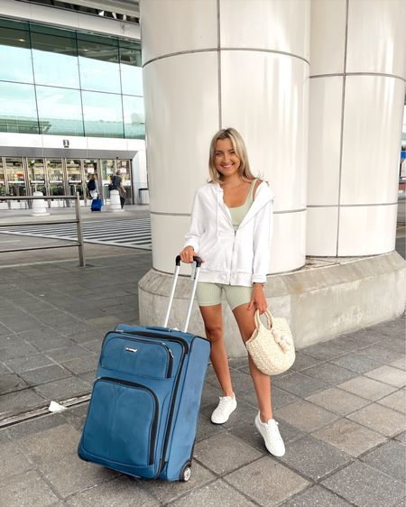 Today's travel outfit for the airplane ☺️ http://liketk.it/3i1Li #liketkit @liketoknow.it
