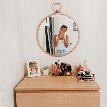 my little corner 🌱 http://liketk.it/2VaXA #liketkit @liketoknow.it #makeup #homedecor #LTKbeauty #LTKhome #LTKstyletip