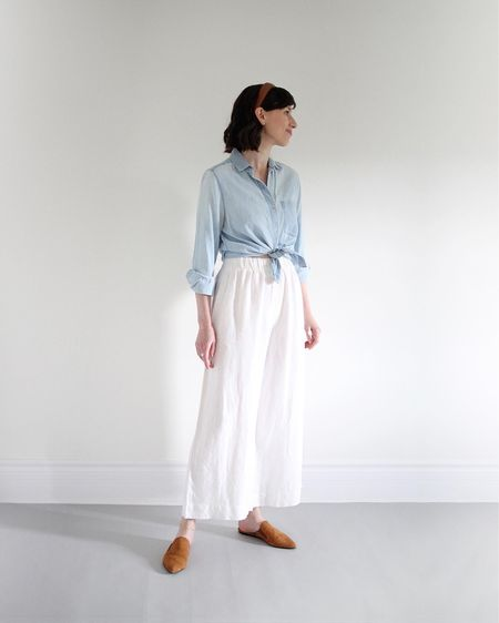 A favourite warm weather combo: Tied Chambray shirt with white linen pants and some brown accessories.    http://liketk.it/3fCda #liketkit @liketoknow.it