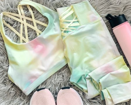 Love my pick for April from fabletics. It's a great spring and summer outfit for the gym and working out or for running errands. Great Mother's Day gift too. http://liketk.it/3esi4 #liketkit @liketoknow.it #LTKfit #LTKtravel #LTKunder50