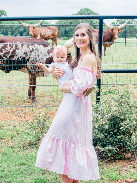 Scarlett and I are finally sharing tips to fly/travel with a baby + pics from our Texas trip 🐮 👢 🤠 ❤️on my blog (link in bio).  Where flying solo to the lake this weekend, if I missed any tips please let me know. http://liketk.it/3iIoi #liketkit @liketoknow.it #LTKbaby