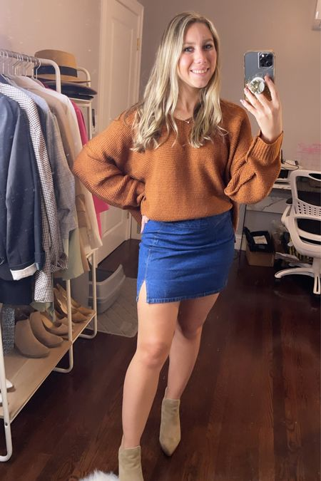 Dying over this burnt orange sweater! It's perfect for fall & comes in 3 colors! Wearing a small   #LTKSeasonal #LTKHoliday #LTKGiftGuide