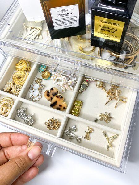 Acrylic jewelry organizer for under $23!? Yes please! ✨ #liketkit #LTKhome #LTKsalealert #LTKunder50 http://liketk.it/2RFPS @liketoknow.it #amazon #amazonho @liketoknow.it.home me #amazonprime #founditonamazon #jewelry #organization