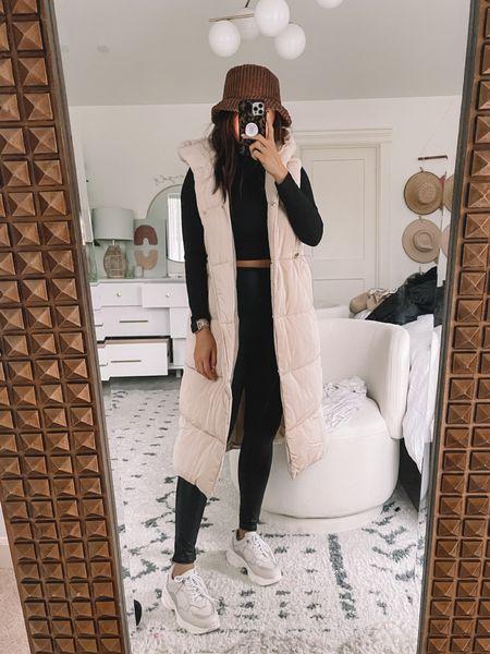 Hooded puffer - med Spanx leggings - large    #LTKtravel #LTKstyletip #LTKHoliday