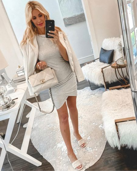 SALE ALERT - this easy summer dress is on sale making it under $50! It runs tts I'm Wearing an Xs @liketoknow.it #liketkit http://liketk.it/3gw13 #LTKsalealert #LTKunder50 #LTKunder100 Shop my daily looks by following me on the LIKEtoKNOW.it shopping app http://liketk.it/3hmIx