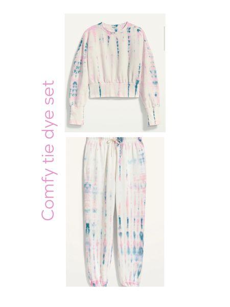 Tie dye sweatpants & tie dye sweatshirt http://liketk.it/3dDQR #liketkit @liketoknow.it #LTKunder50 #LTKsalealert