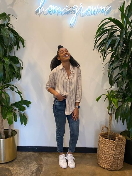 #liketkit @liketoknow.it http://liketk.it/2KZbe It's leap year what a better way to grab a cute outfit from Express! I love my Mom jeans from Express paired with my oversized boyfriend shirt!