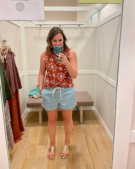 I went to Loft yesterday and tried on a few things! This top is totally in my color scheme and it was on sale, so it came home with me!   It'll be great with plain jean shorts and more this summer and will also transition to fall with a cardigan!  Shop the look: http://liketk.it/3hgCr  Or find me on the @liketoknow.it app!   #liketkit #LTKunder50 #LTKsalealert #LTKcurves