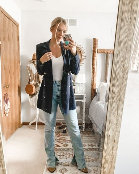 """If blazers were a day of the week they'd be Friday.. Because ya know, they have the """"get sh*t done"""" vibe but also the """"I'm here to party"""". 🤷🏼♀️🍻 . You can shop my looks by doing the following: 🔅Download the free LIKEtoKNOW.it app . 🔅Screenshot this picture OR 🔅Click the link in my bio OR 🔅Search @blondegypsystyle in the app  http://liketk.it/3dG93 #liketkit @liketoknow.it"""
