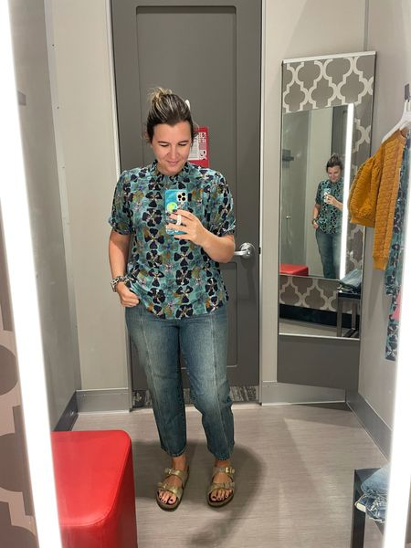 This floral blouse is super pretty! I just need to make sure I can wear it with something other than jeans!  #LTKcurves #LTKbacktoschool #LTKstyletip