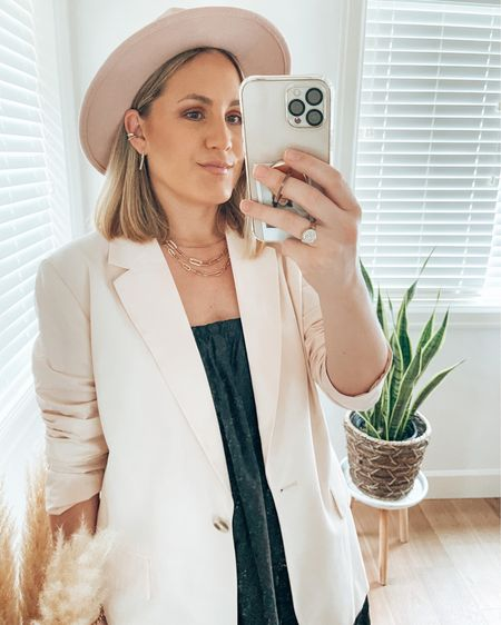 OOTD from yesterday   Love this lightweight blazer, just perfect for spring! Also adore my new hat, it's so comfortable and it's adjustable. This color goes with everything!   You can instantly shop my looks by following me on the LIKEtoKNOW.it shopping app   @liketoknow.it #liketkit #LTKstyletip #LTKunder100 #LTKunder50 http://liketk.it/3f6q7