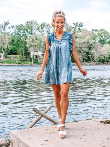 """Denim dress(ed) to impress! Full @shopreddress try on haul is live in stories and highlights. http://liketk.it/3gc8n   You can also shop all my looks from the try on with the free @liketoknow.it app linked in my bio. Search and follow """"sarah.r.gibson"""" to follow along.    #liketkit #rdbabe #rdstyle #ltkseasonal #competition #denimdress #denimstyle #summerdresses #grandrivermi"""