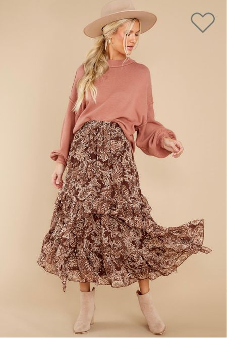 This top and ruffles maxi skirt are perfect for fall family photos!