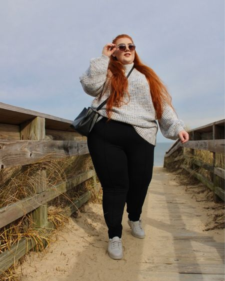 http://liketk.it/37NL4 #liketkit @liketoknow.it  This sweater is perfect for transitioning into spring! It's so cozy and perfect for a crisp spring day. #LTKcurves #StayHomeWithLTK #LTKstyletip