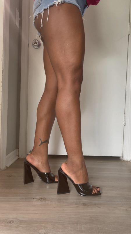 Shoes for stallion knees and legs. #blackpeeptoe #peeptoeheels #blackheels #blockheels #springshoes  #LTKunder50 #LTKSeasonal #LTKshoecrush
