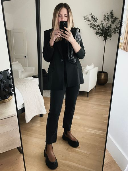 Black blazer and brown boots 🖤 @nordstrom #nordstrom #ad
