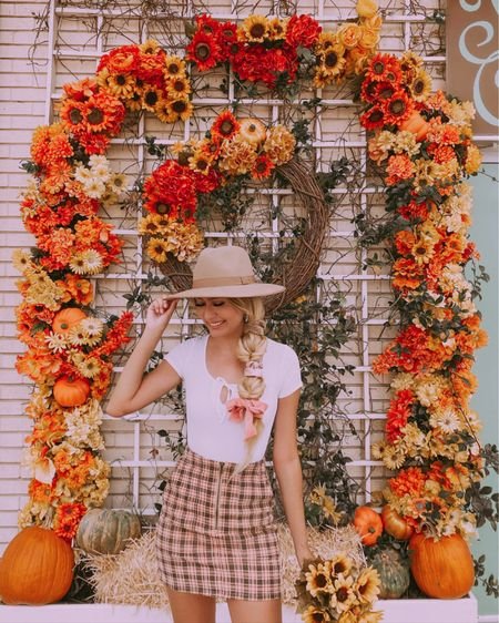 🌻🎃pumpkin spice & everything nice 🌻🎃  Who else loves plaid for fall? 🙌🏼🙌🏼  This whole look is from @targetactually and cost under $50!! Skirt is only $17 & the bodysuit is $15 both come in other colors/patterns ✨# AD To shop this look go on the LIKEtoKNOW.it shopping app  http://liketk.it/2YL7e #liketkit @liketoknow.it #LTKunder50 #LTKstyletip   • • • • #fallfashion #azblogger #fashionblogger #colormehappy #discoverunder50k #azblogger #travelblogger #darlingmovement #prettylittleiinspo #womenwhotravel #asaqueen #mytinyatlas #hairandstyles #ootd #trechicflowerwall #lackofcolor #houstonblogger #dreamyblogger #dametravel