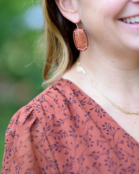 Kendra Scott Elle gold drop earrings // Kendra Scott multi strand necklace  Women's jewelry Fall jewelry Fall style   #LTKSeasonal #LTKstyletip #LTKbeauty
