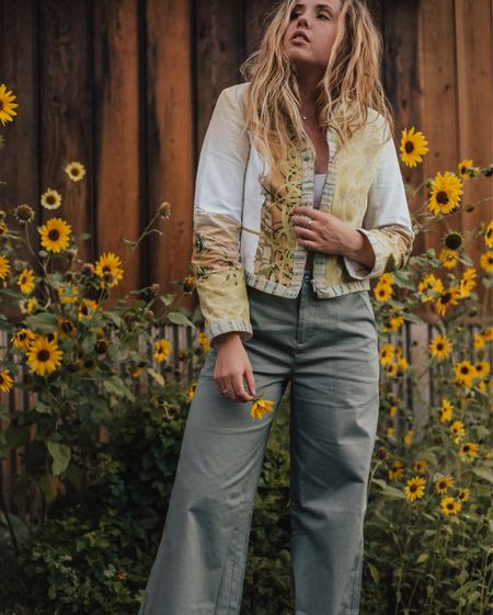 A new, little sweet garden story is up on the blog this Saturday morning. 🌻 Also, these $19 wide leg pants from @asos are the bees knees 🐝   http://liketk.it/2srl7#liketkit @liketoknow.it