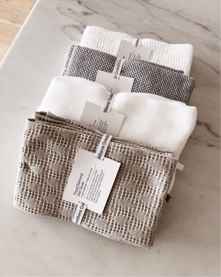 Towels, kitchen finds, stylinaylinhome