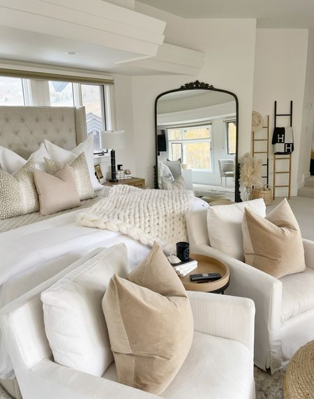 """H O M E \ Neutrals on neutrals🍂 Added new VELVET pillows to my bedroom setup AND y'all, they're under $15!! The light brown pair on my chairs are 24""""x24"""" - only $12.99 per cover🙌🏻 The beige beauty on my bed is 20""""x20"""" - only $9.99!! I MEAN, yassssssss!! Head over to stories to see a closer look🙋🏻♀️  Give your space a little winter refresh with these velvet beauties! Great little Holiday touch as well👌🏻 Click the link in my bio to shop my #bedroom 🏠  #sbkliving #bedroom #bedding #pillows #bedroomdecor #modernfarmhouse #cozyhome  #LTKhome #LTKSeasonal #LTKunder50"""
